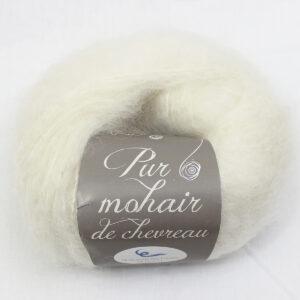 Pelote-Pur-Mohair-ECRU-1-Une-Ferme-a-la-Bassett