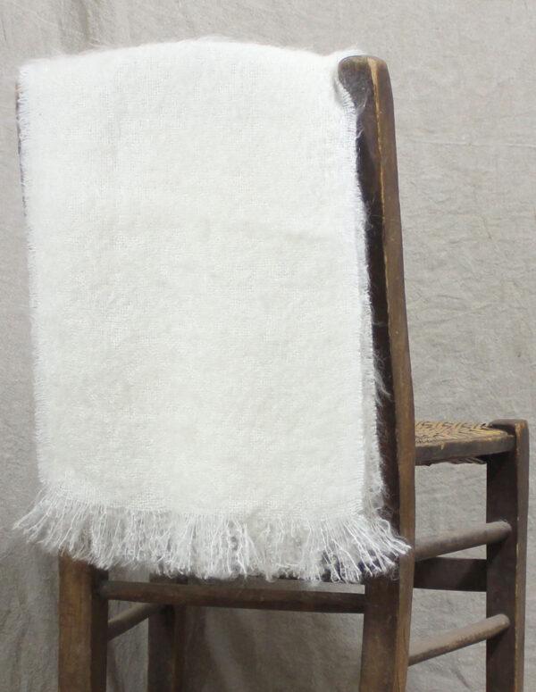 echarpes-tissees-mohair-soie-blanc-ecru-une-ferme-a-la-bassette-2