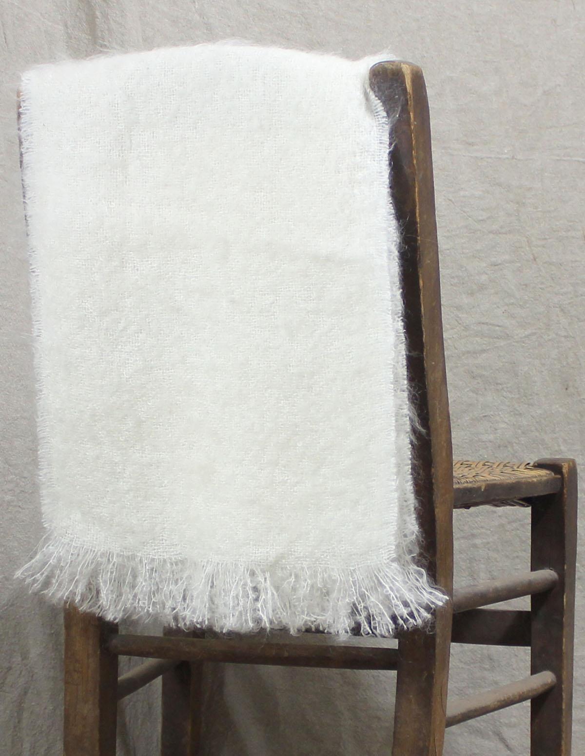 echarpes-tissees-mohair-soie-blanc-ecru-une-ferme-a-la-bassette