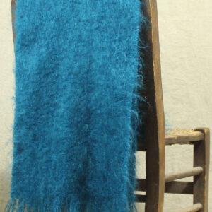 echarpes-tissees-mohair-soie-bleu-paon-une-ferme-a-la-bassette