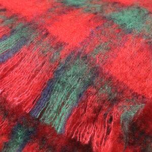 echarpes-tissees-mohair-soie-carreaux-ecossais-rouge-vert-une-ferme-a-la-bassette