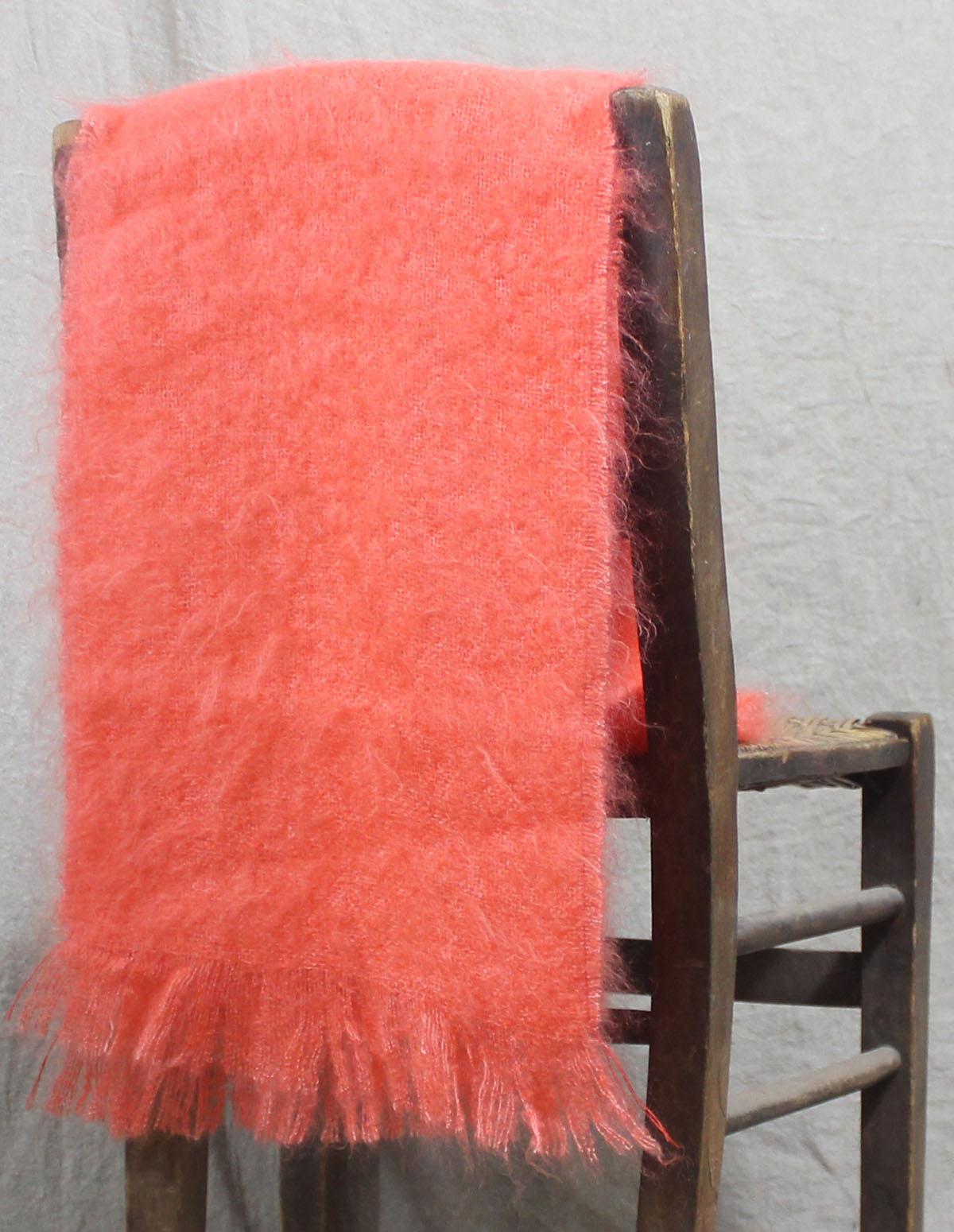 echarpes-tissees-mohair-soie-corail-une-ferme-a-la-bassette