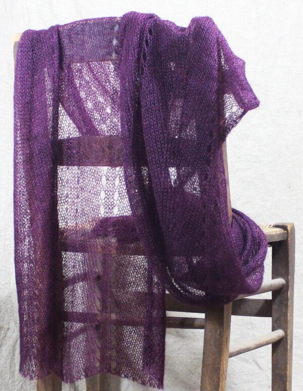 echarpes-tricotees-fines-mohair-soie-violet-prune-une-ferme-a-la-bassette-1