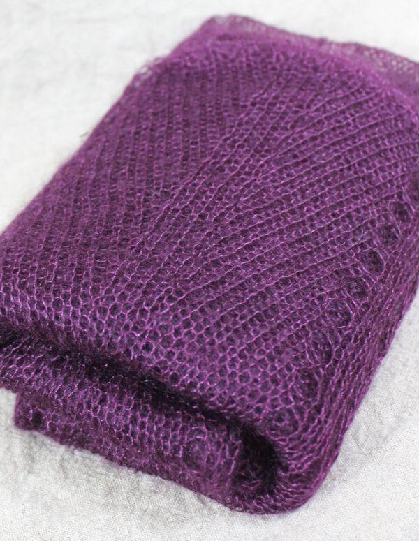 echarpes-tricotees-fines-mohair-soie-violet-prune-une-ferme-a-la-bassette-3