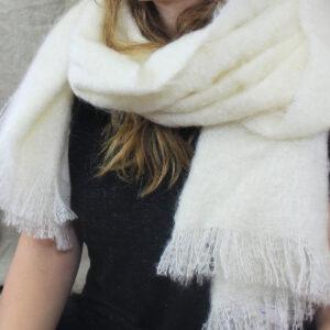etole-tissee-mohair-soie-blanc-ecru-une-ferme-a-la-bassette