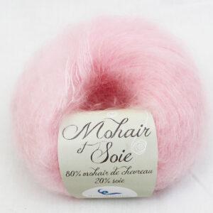 pelote-mohair-et-soie-rose-poudre-une-ferme-a-la-bassette