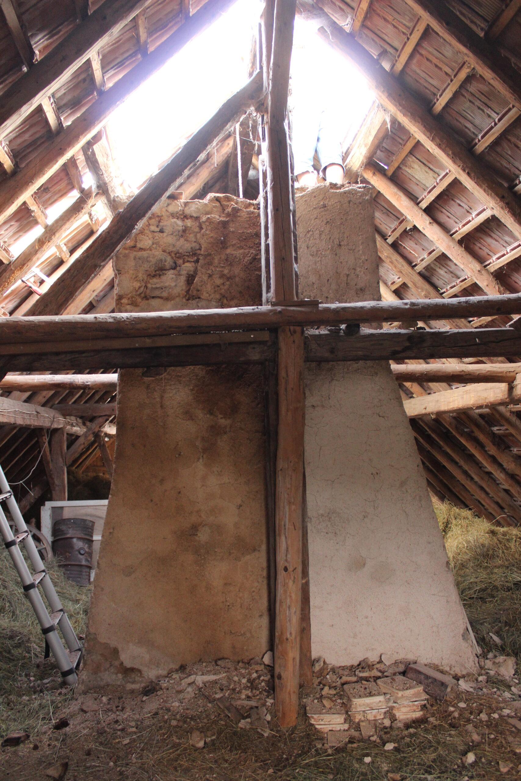 vieille-cheminée-une-ferme-a-la-bassette